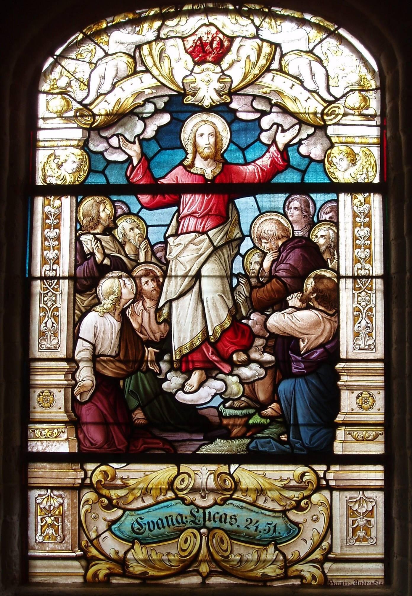 Kirchenfenster im Oldendorfer Altarraum - Christi Himmelfahrt
