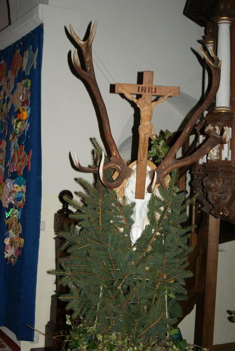 Jagdlicher Schmuck in der Kirche